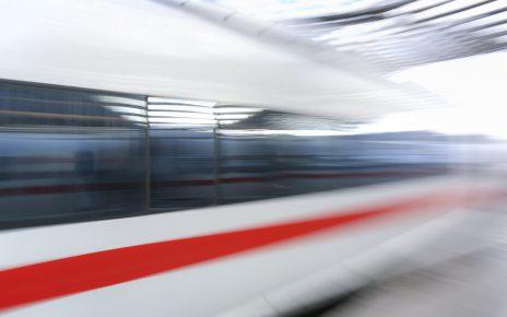Im ICE auf dem Weg zwischen Basel und Freiburg wegen Fahren ohne Führerscheins festgenommen
