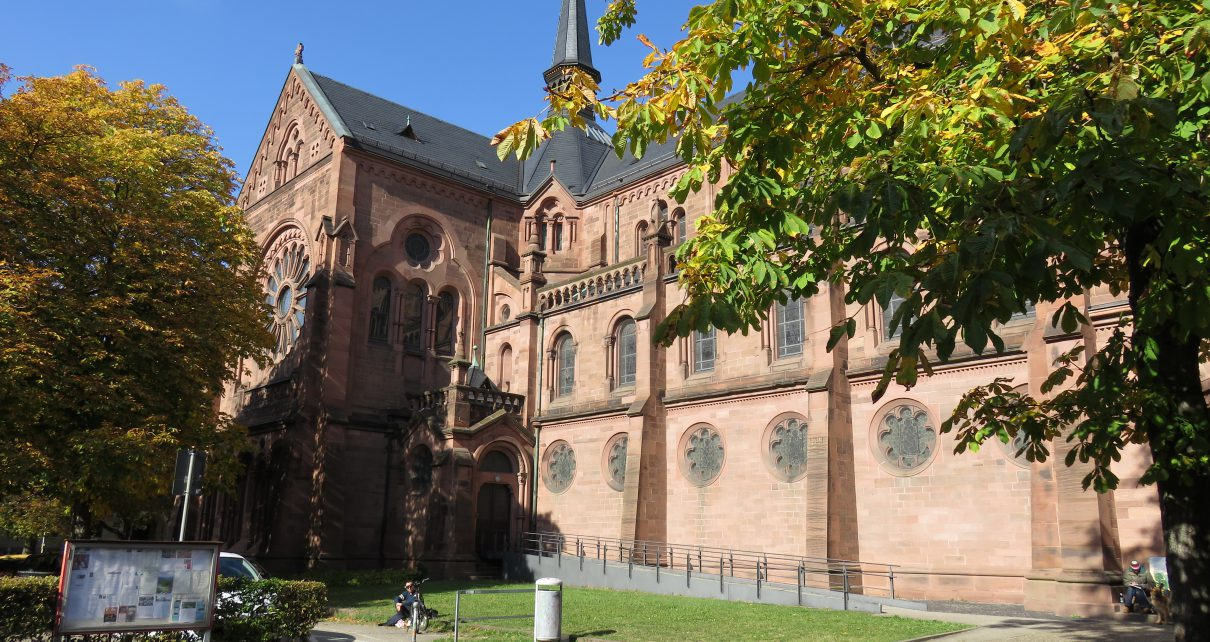 Johanneskirche Freiburg Wildpinkler