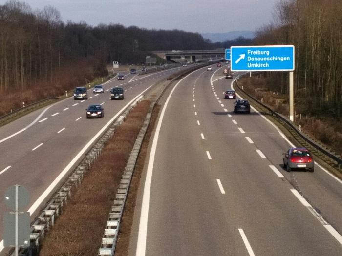 Autobahn-A5-Freiburg-klein