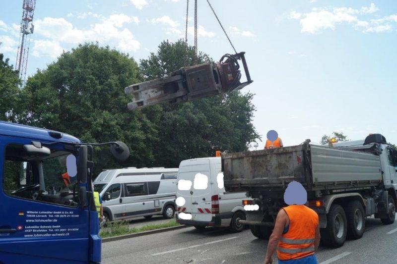 baggerschaufel-autobahn-bundestrasse-weil-lkw