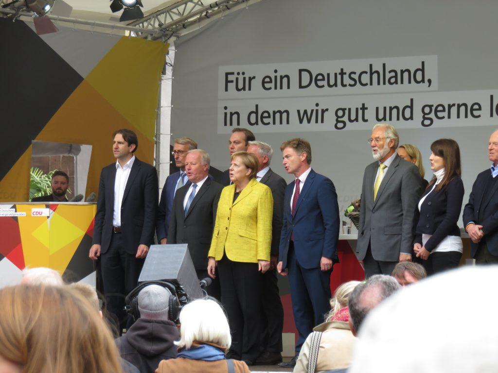 Deutsche Nationalhymne auf dem Münsterplatz