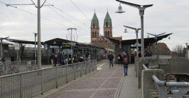 stadtbahnbruecke-freiburg-bahnhof-colourbox