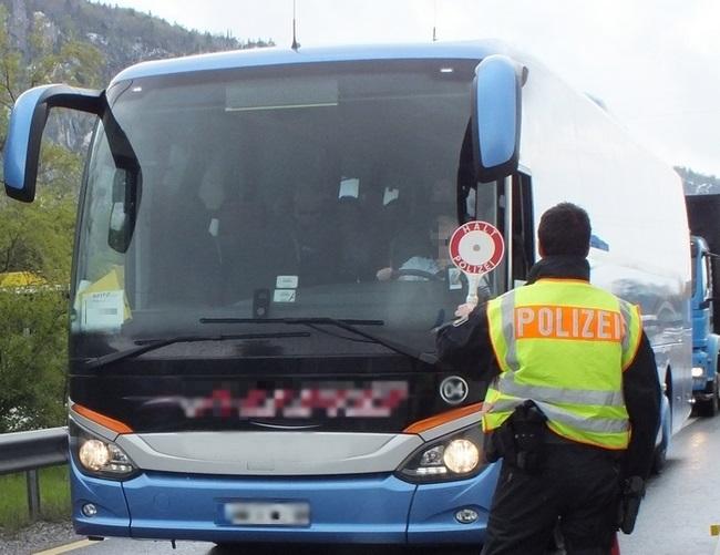 bus-grenzkontrolle-polizei-kiefersfelden-bundespolizei-somalia
