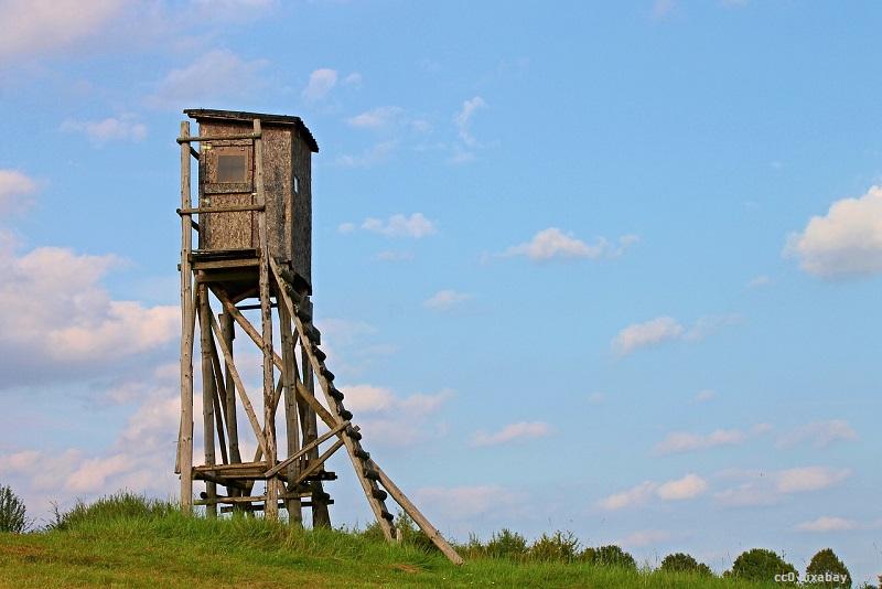 hochsitz-ansaeger-schopfheim-pixabay