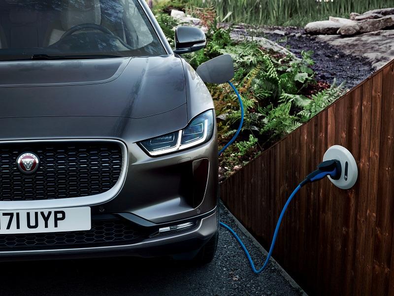 ladung elektroauto jaguar i pace