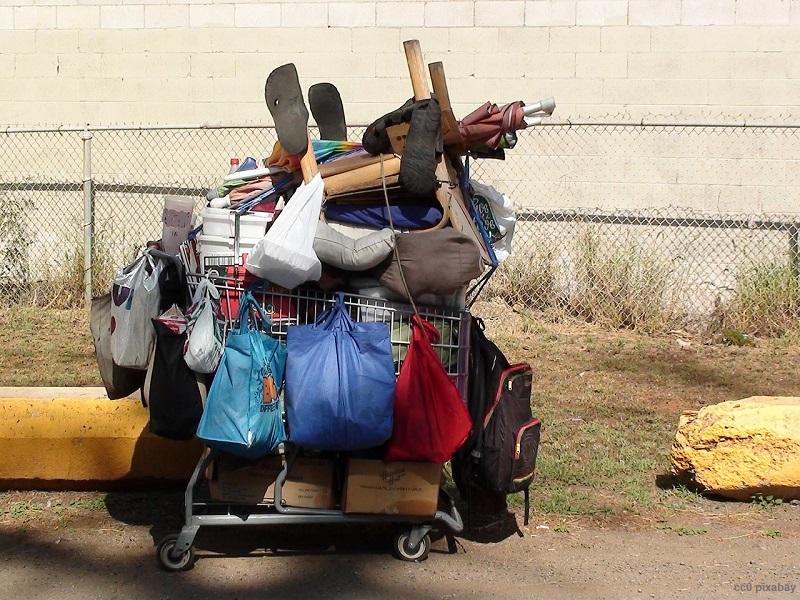 obdachlos-stadthalle-freiburg-wohnunslos-pixabay