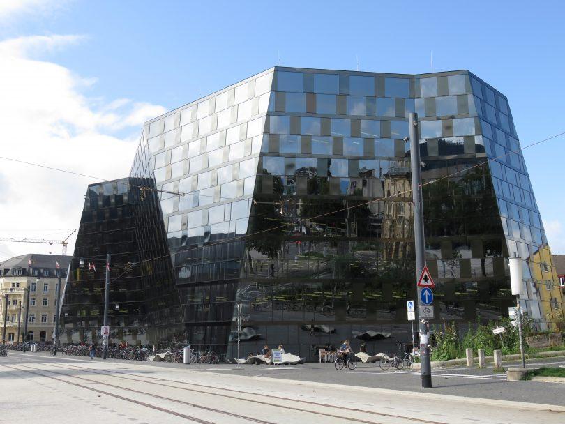 Uni Bilbliothek Bücherei Freiburg