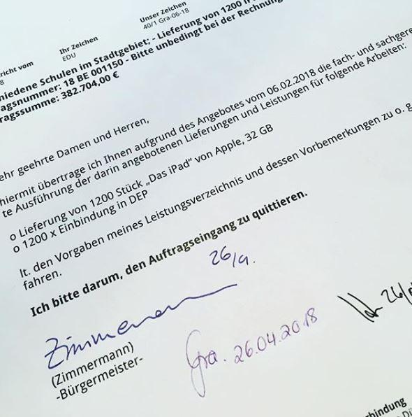 ipad-zimmermann-monheim-buergermeister