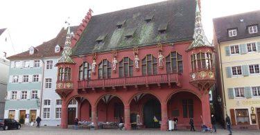 historisches-kaufhaus-freiburg-muensterplatz