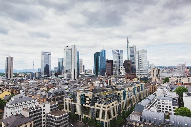 frankfurt-skyline-razzia