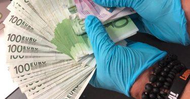 Bundespolizei Frankfurt 12000 Euro Beute