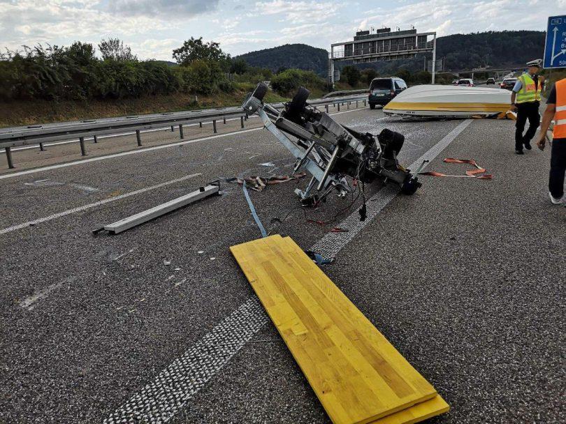 Autobahn Boot Rheinfelden Anhänger