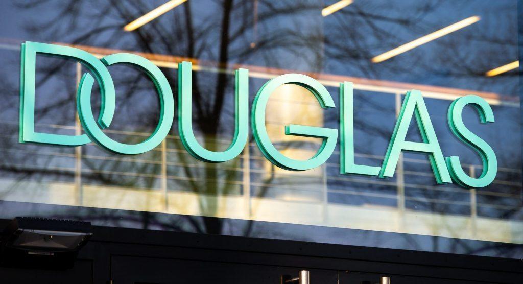 douglas-logo-haupteingang
