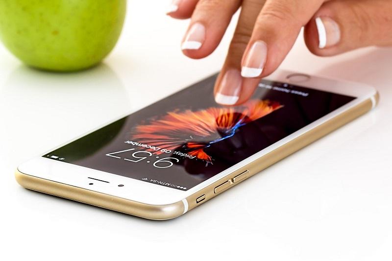 apps-zeit-und-geld-sparen-smartphone-
