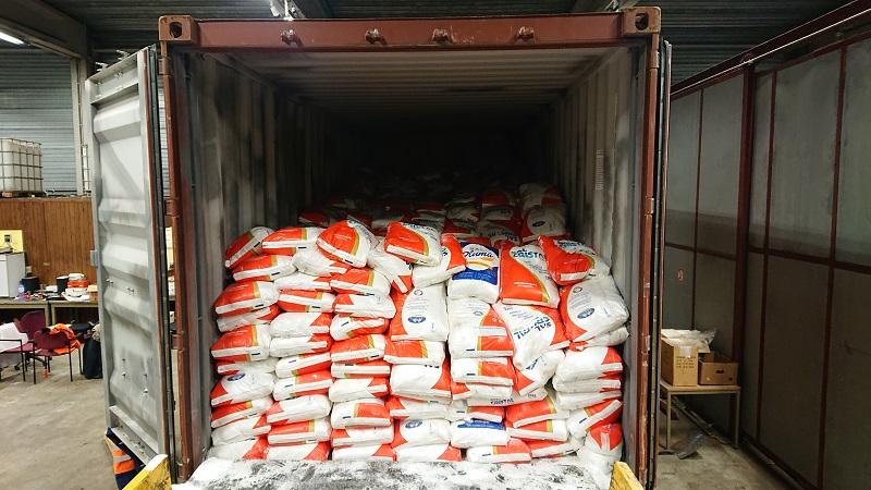Salz und Kokain im Container für die Spedition in Niedersachsen