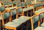 gottesdienst-stühle-kirche