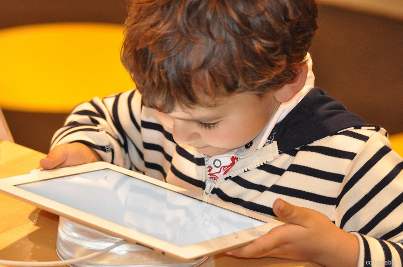 tablet-kind-schüler
