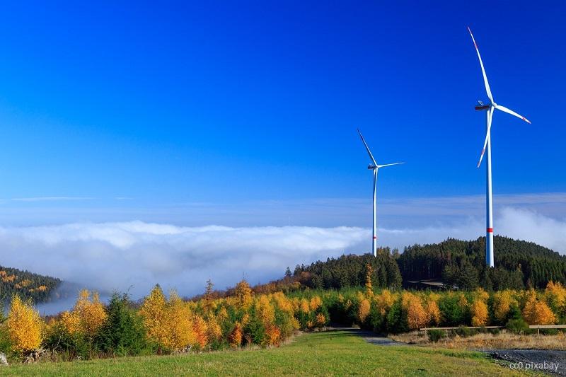 windrad-landschaft-energie
