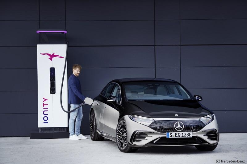 Mercedes EQS tankt 1 Jahr bei Ionity gratis