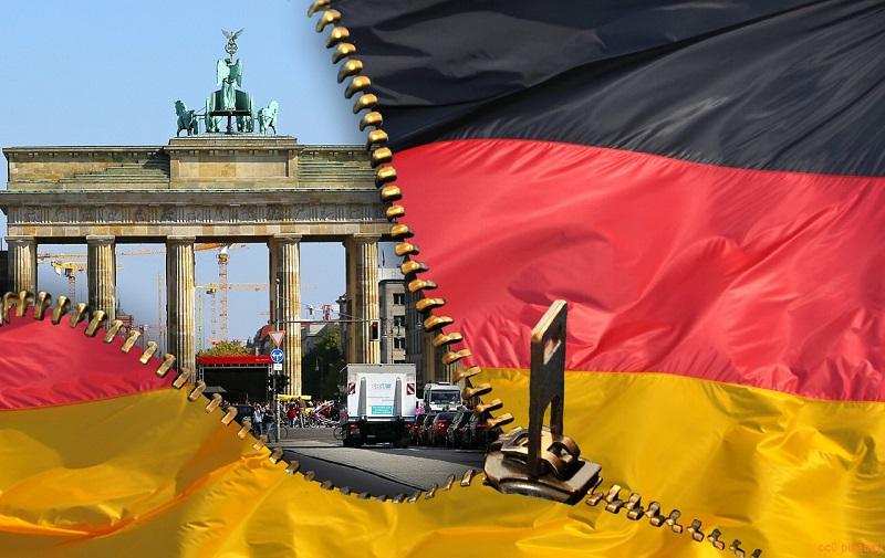 berlin-brandenburger-tor-flagge-reißverschluss
